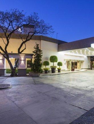 Entrée Hôtel Krystal Satélite María Bárbara Tlalnepantla de Baz